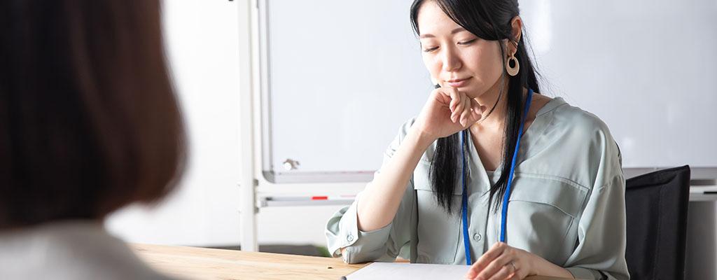 昼ごはんを食べた後、会議で眠くなる。食後の睡魔、何とかならない?